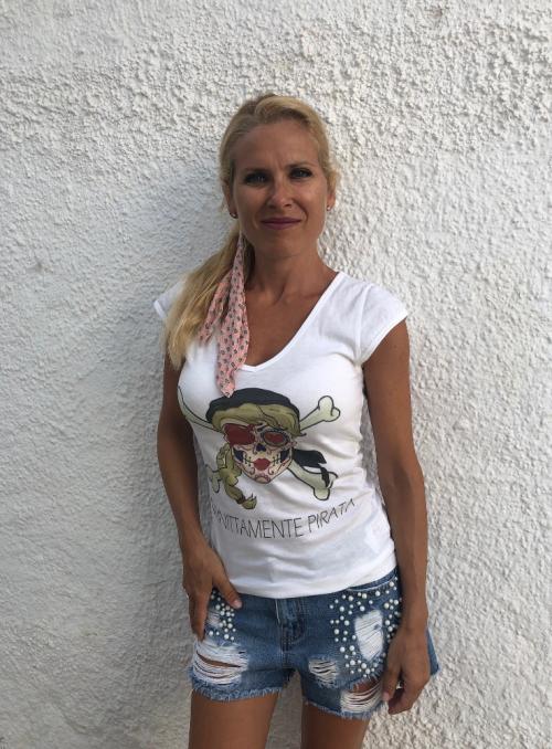 Camiseta Infinittamente Pirata escote corazón