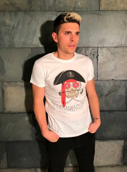 Camiseta Infinitamentte Pirata