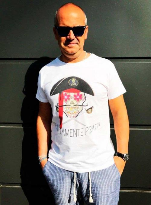 Camiseta hombre blanca Infinittamente Pirata